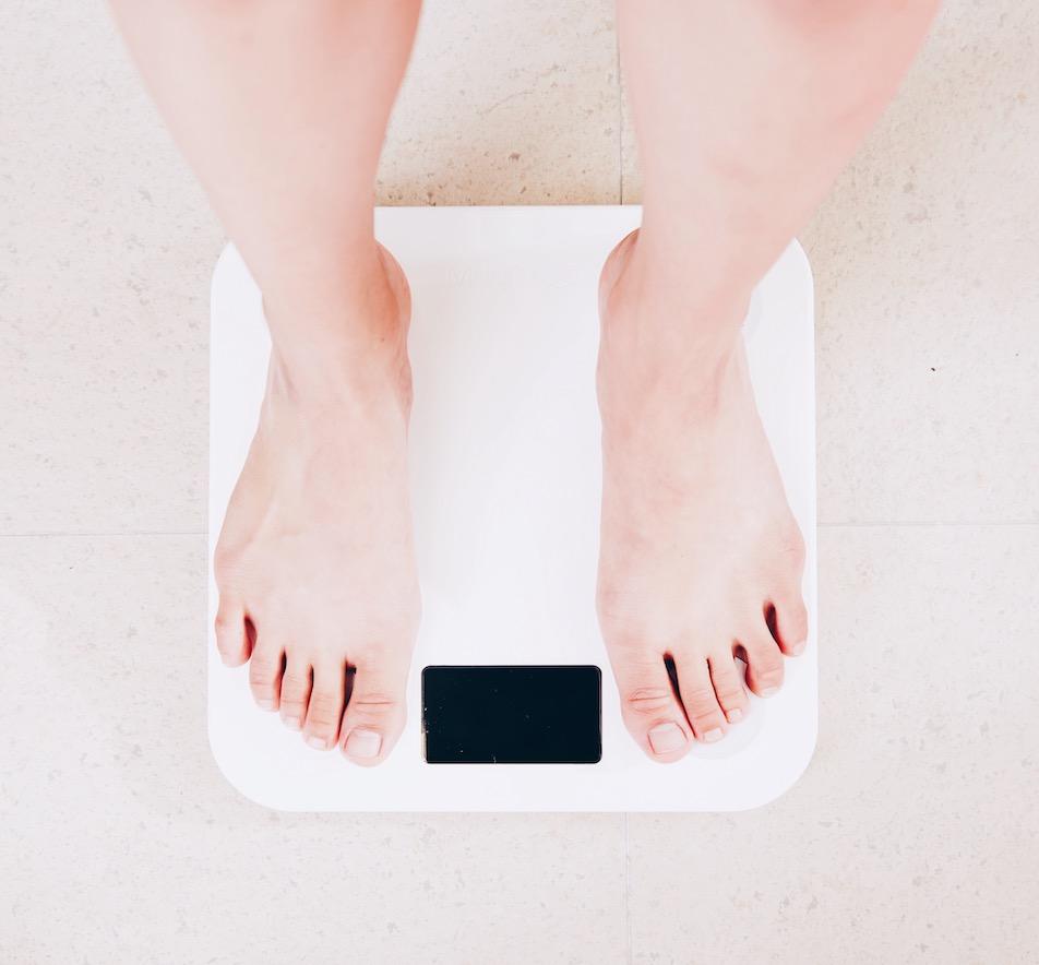 Warum Frauen so versessen auf ihr Körpergewicht sind