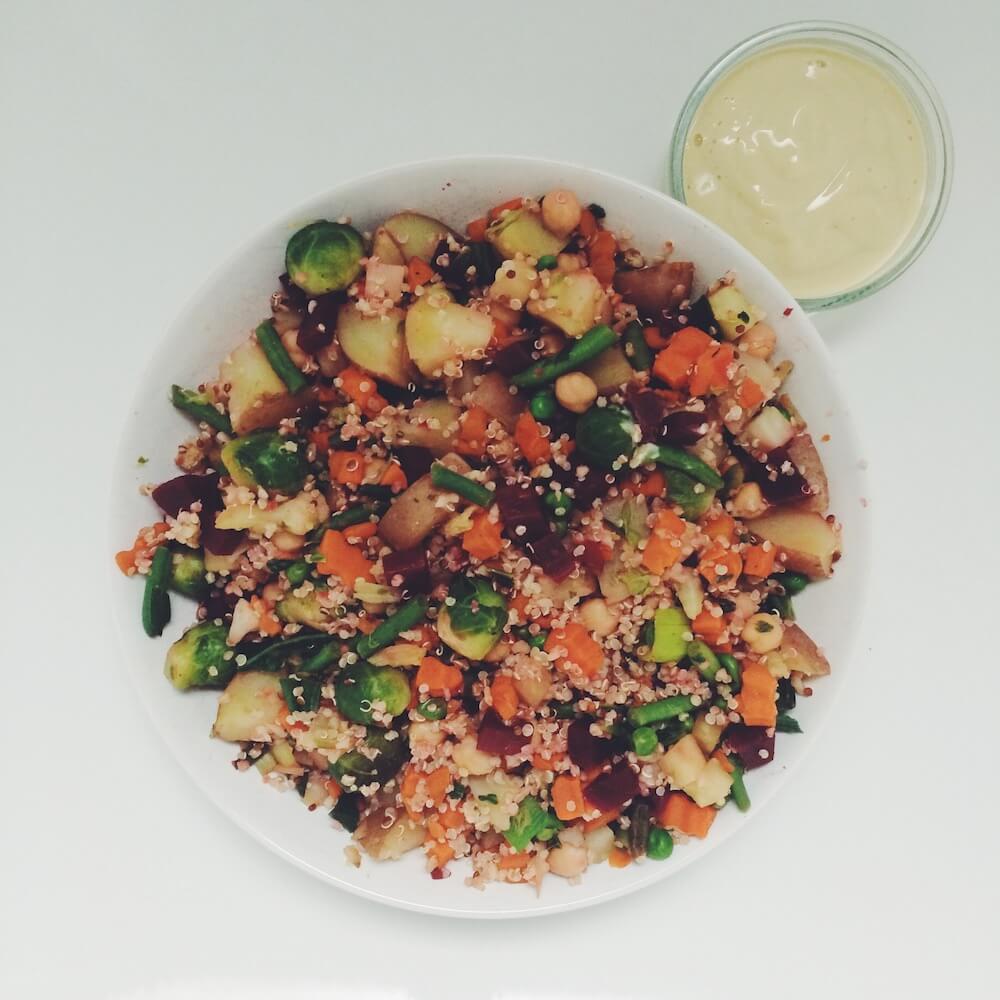 Veganes High Carb Quinoa Allerlei